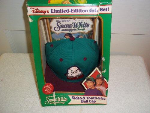 9786303159690: Snow White W/Grumpy Baseball Cap [VHS]