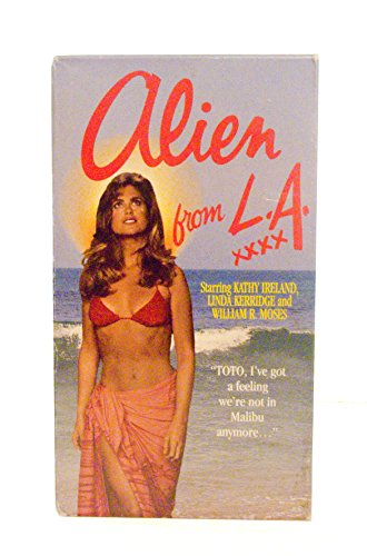 9786303332819: Alien from L.a. [VHS]
