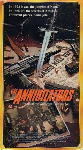 9786303400037: Annihilators [VHS]