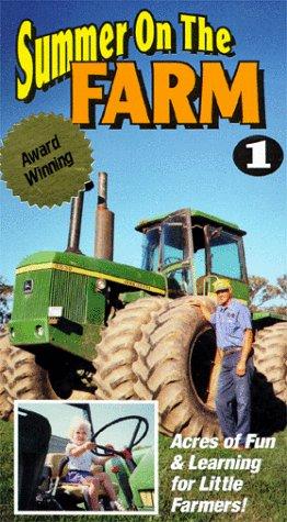 9786303486659: Summer on the Farm [VHS]