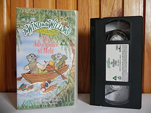 9786304119501: Adventures of Mole [VHS]