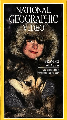 9786304473986: National Geographic's Braving Alaska [VHS]