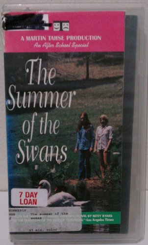 9786305085263: Summer of the Swans [VHS]