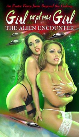 9786305762669: Girl Explores Girl: The Alien Encounter [VHS]