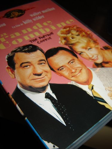 9787802446069: The Fortune Cookie / La Grande Combine / Region 2 PAL DVD / Audio: English, French, Spanish, German, Italian / Subtitle: English, French, German, Spanish, Danish, Dutch, Italian, Norwegian, Swedish / Starring: Jack Lemmon, Walter Mathau, Ron Rich, Cliff Osmond, Judy West / Director: Billy Wilder