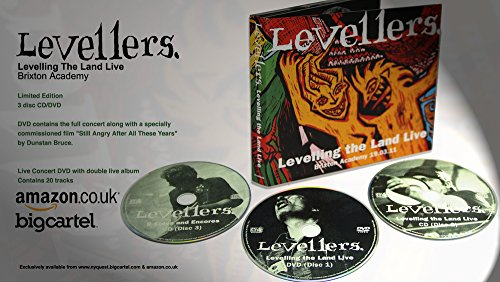 9787978754647: Levelling The Land Live CD/DVD