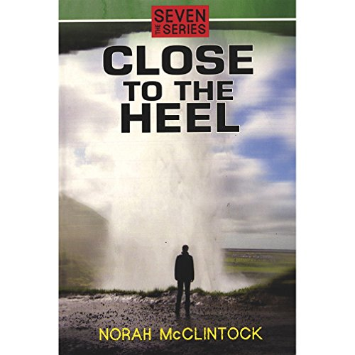 9788128640551: CLOSE TO THE HEEL