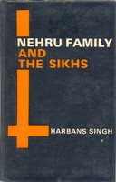 9788170181330: Nehru Family and the Sikhs
