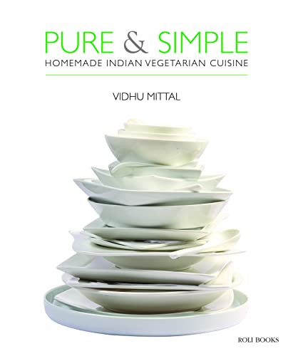 9788174365927: The Pure and simple: Homemade Indian Vegetarian Cuisine: The Art of Mughal Cuisine
