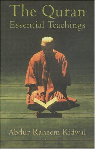 9788179925690: The Quran: Essential Teachings