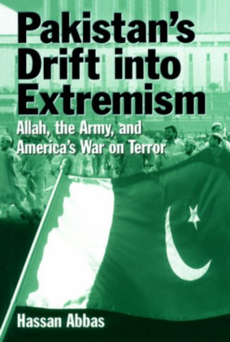 9788182741584: Pakistan's Drift into Extremism: Allah, the Army and America's War on Terror