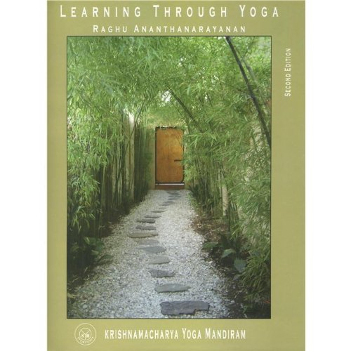 9788187847144: Learning Through Yoga