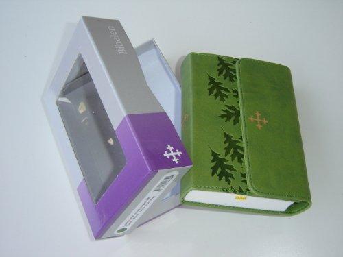 9788254108390: Norwegian Bible Green Leather Bound with Magnetic Flap / Gront kunstskinn med magnetklaff / BIBELEN / Bibelselskapet / 5.5 X 4 inches