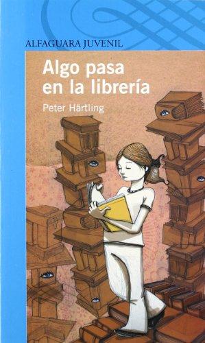 9788420444253: Algo pasa en la librería (Serie Azul. A partir de 12 años)