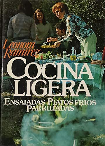 9788422611431: COCINA LIGERA-ENSALADAS, PLATOS FRIOS, PARRILLADAS