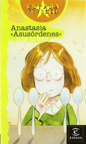 9788423970735: Anastasia Asusordenes/ Anastasia at Your Service (Spanish Edition)