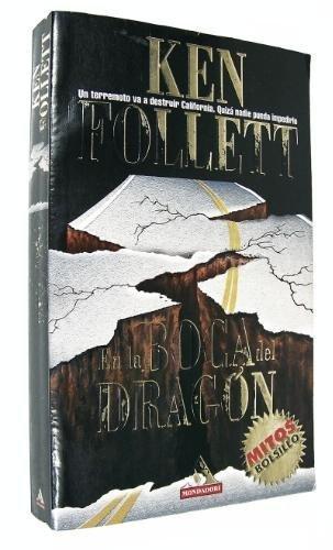 9788439703655: En la boca del dragon (mitos bolsillo)