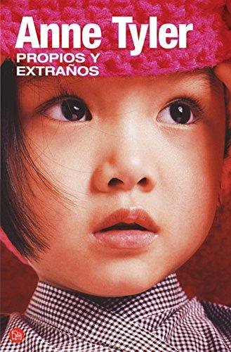 9788466320801: Propios y extra�os (Narrativa (Punto de Lectura)) (Spanish Edition)