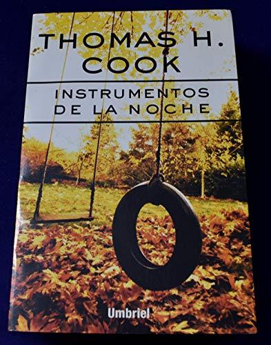 9788495618139: Instrumentos de la noche (Umbriel género negro)