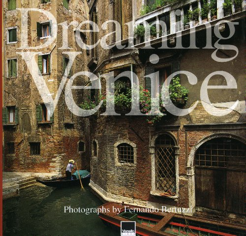 9788872000717: Dreaming Venice