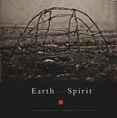 9788874396009: Earth Meets Spirit: A Photographic Journey Through the Sacred Landscape