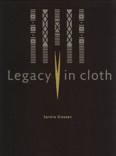 9789067183154: Legacy in Cloth: Batak Textiles of Indonesia