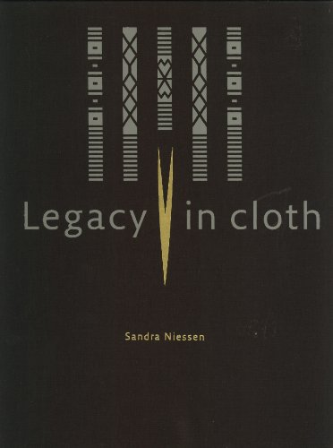 9789067183512: Legacy in Cloth: Batak Textiles of Indonesia