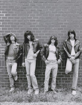 9789505059706: The Ramones Punk Rock Music 10 Inch By 8 Inch Picture