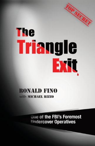 9789655501933: The Triangle Exit
