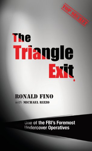 9789655502145: The Triangle Exit