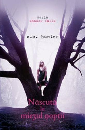 9789731024356: Nascuta la miezul noptii (Shadow Falls, vol. 1) (Romanian Edition)