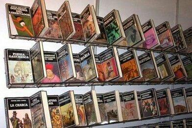 9789802763580: Los pasos recobrados. Ensayos de teoría y crítica literaria. (Biblioteca Ayacucho #210)