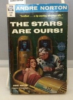 9789992041611: The Stars Are Ours!