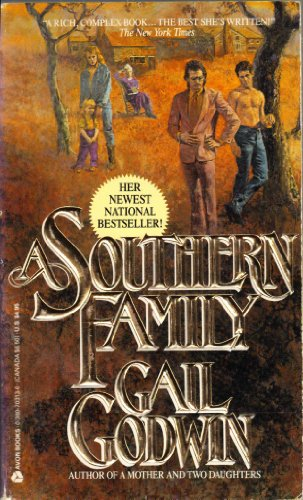 9789992793572: A Southern Family