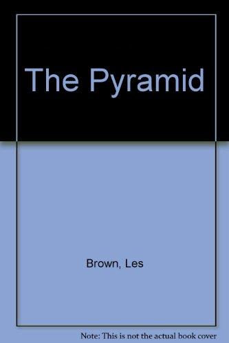 9789993584247: The Pyramid