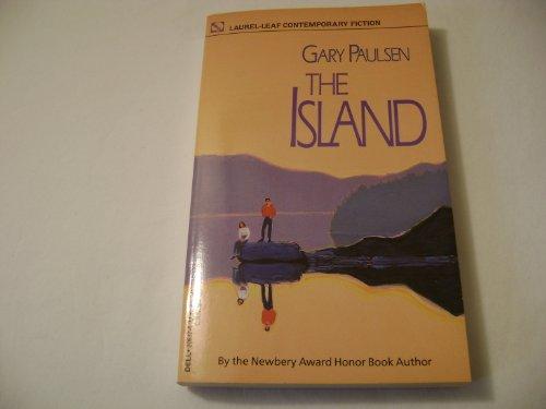 9789994406319: The Island