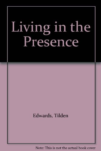 9789994503506: Living in the Presence