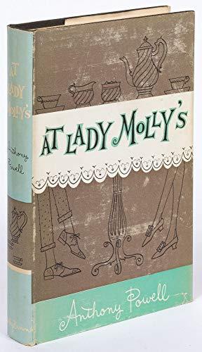 9789997528278: At Lady Molly's