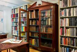 Ursus Books, Ltd.